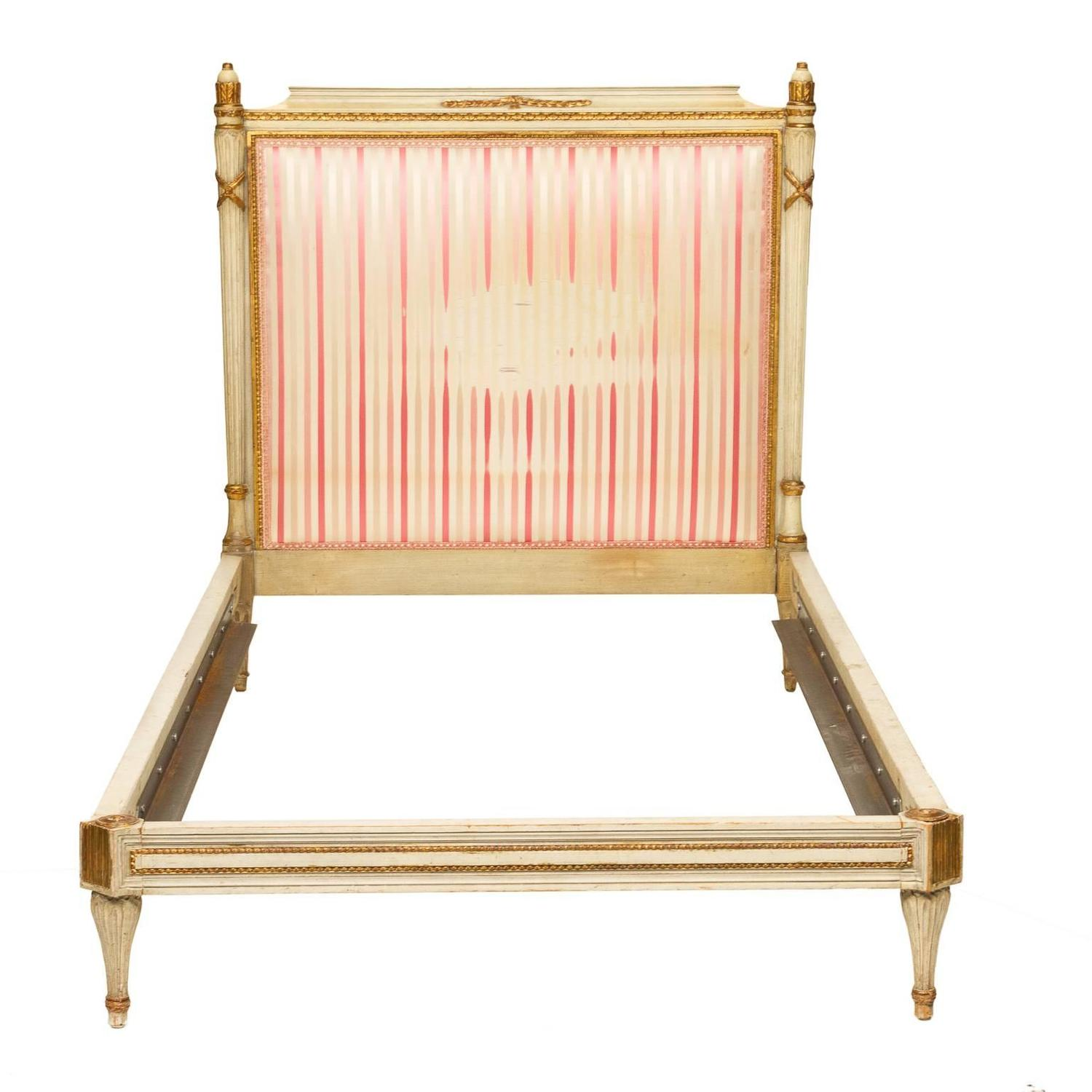Louis XVI Style Painted Pair of Twin Beds For Sale at 1stdibs