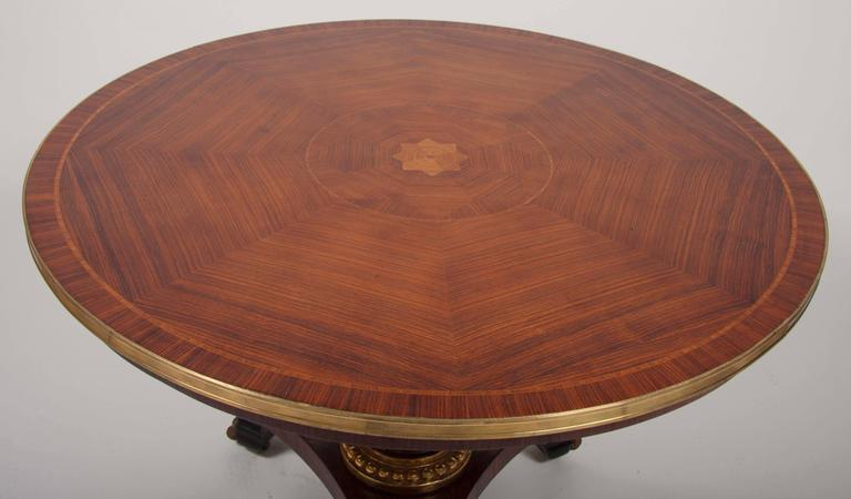 English Regency Mahogany Center Table In Excellent Condition For Sale In Stamford, CT