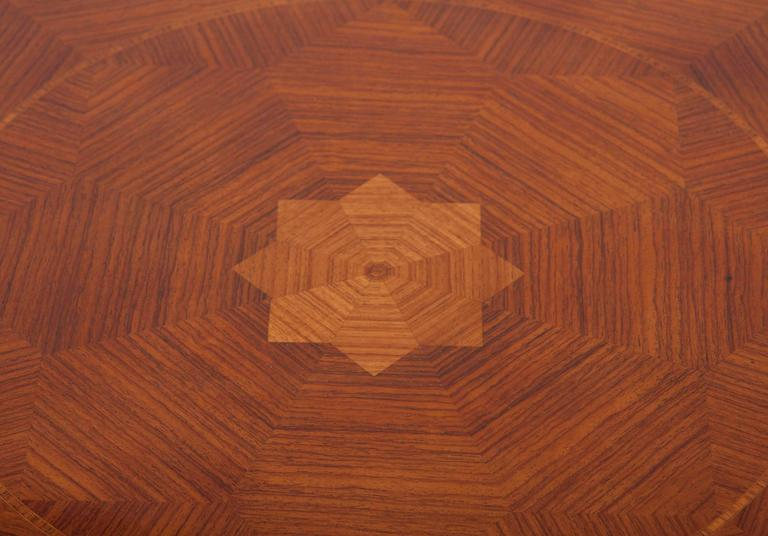 Early 19th Century English Regency Mahogany Center Table For Sale