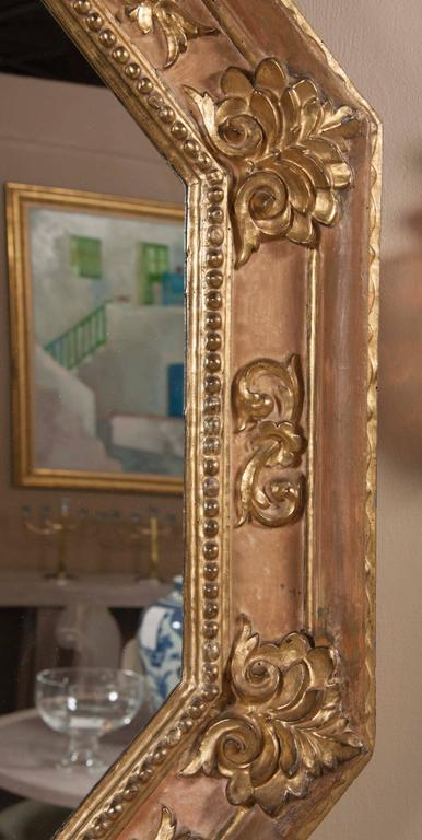 18th Century Handsome Italian Giltwood Octagonal Mirror For Sale