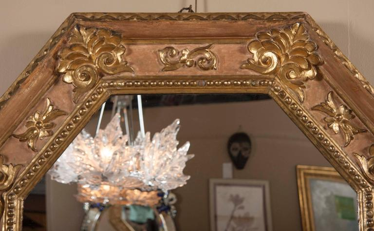 Handsome Italian Giltwood Octagonal Mirror For Sale 3