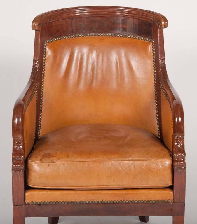 Matched Pair of Mahogany Louis Philippe Bergères In Excellent Condition For Sale In Stamford, CT