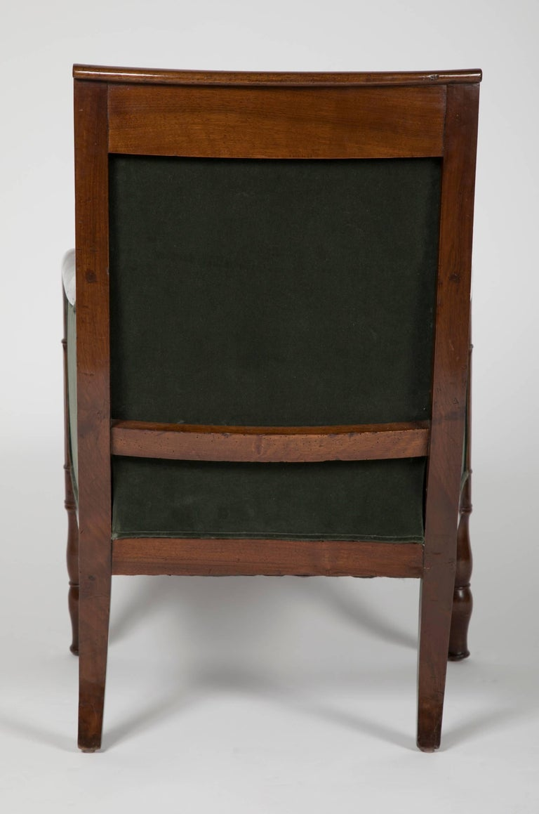 Directoire Bergère in Velvet Upholstered In Excellent Condition For Sale In Stamford, CT