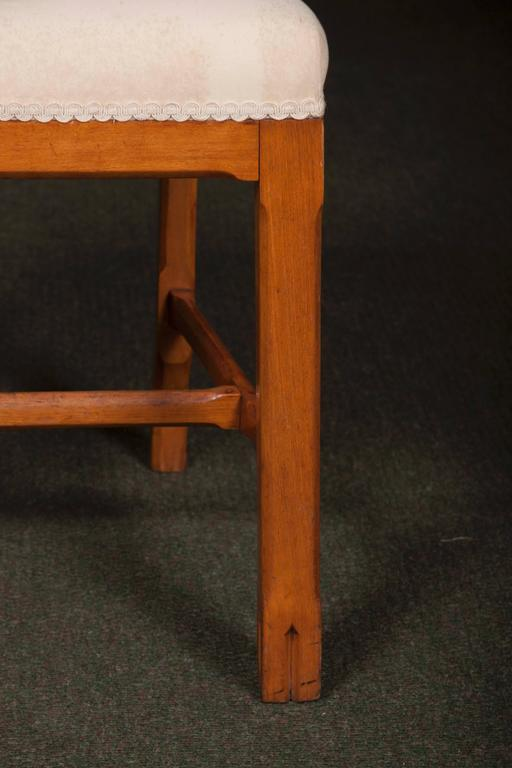 Matched Set of Ten Arts & Crafts Dining Chairs In Good Condition For Sale In Stamford, CT