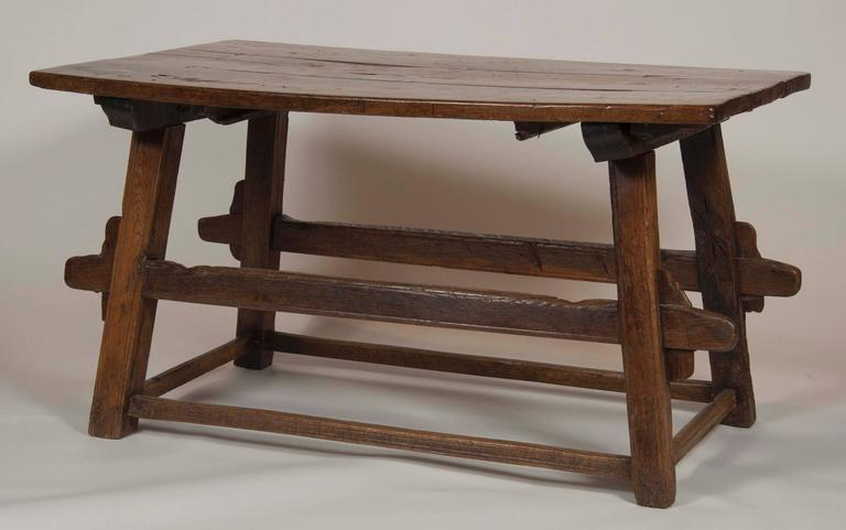 Continental Oak Trestle Table In Good Condition For Sale In Stamford, CT
