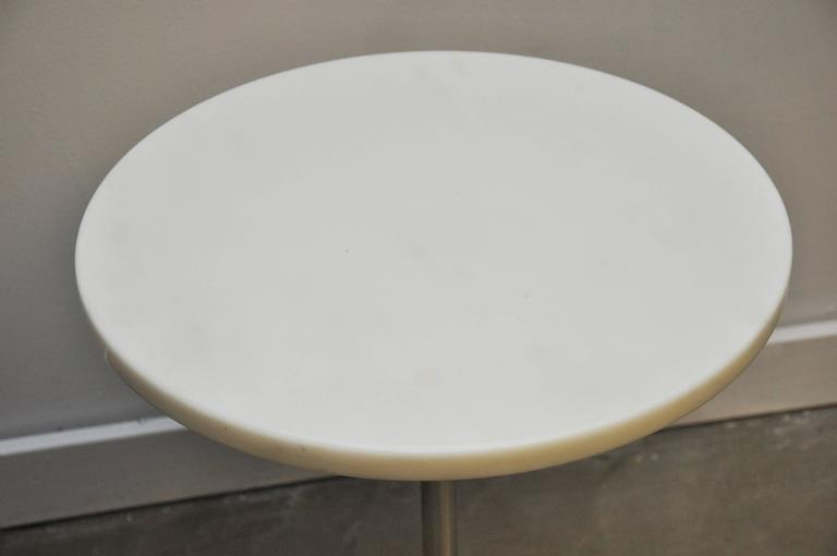 American Pair of White Marble and Stainless Steel Side Tables by Gerald R. Griffith For Sale