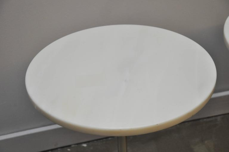 Pair of White Marble and Stainless Steel Side Tables by Gerald R. Griffith In Excellent Condition For Sale In Chicago, IL