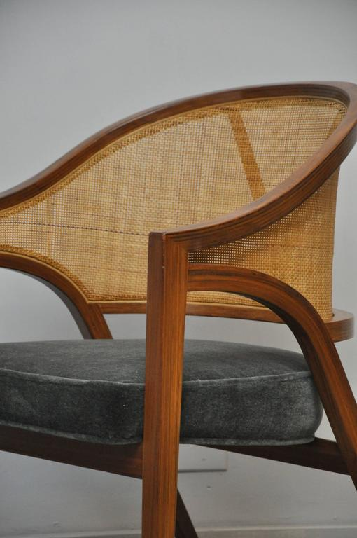 "Dunbar ""Y-Back Captain Chair"" by Edward Wormley In Excellent Condition For Sale In Chicago, IL"