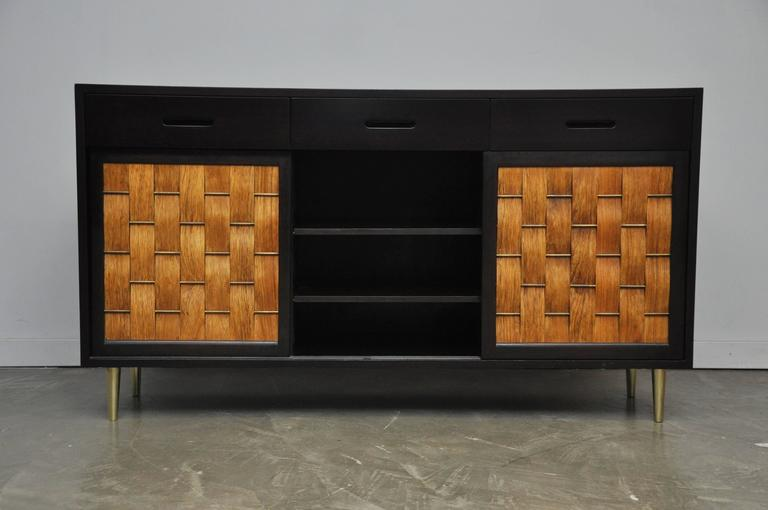 Dunbar Rosewood Woven Front Sideboard by Edward Wormley In Excellent Condition For Sale In Chicago, IL