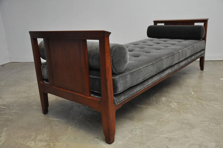Dunbar Janus Daybed Sofa by Edward Wormley In Excellent Condition For Sale In Chicago, IL