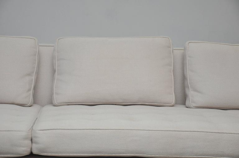 Classic Dunbar Sofa by Edward Wormley In Excellent Condition For Sale In Chicago, IL