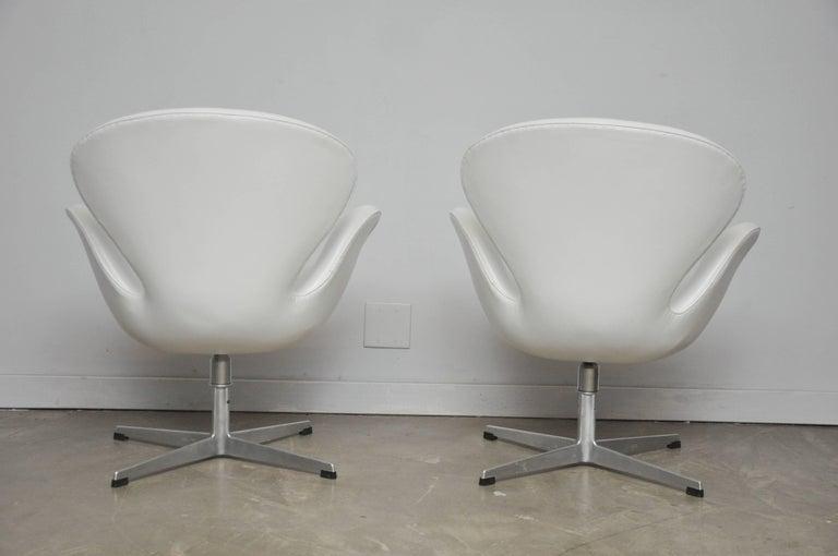 20th Century Early Model Swan Chairs by Arne Jacobsen, Swivel & Tilt For Sale