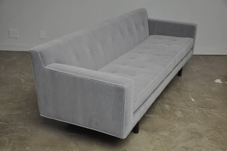 Dunbar Sofa by Edward Wormley In Excellent Condition For Sale In Chicago, IL