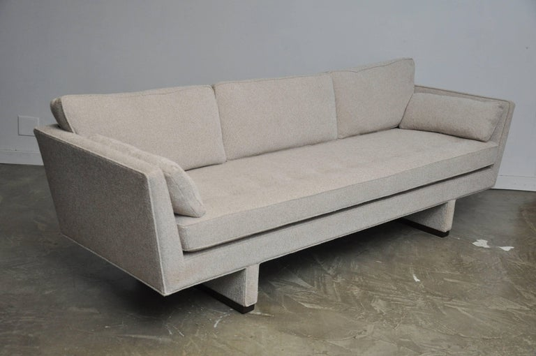 Dunbar Sofa by Edward Wormley, Model 5485 In Excellent Condition For Sale In Chicago, IL