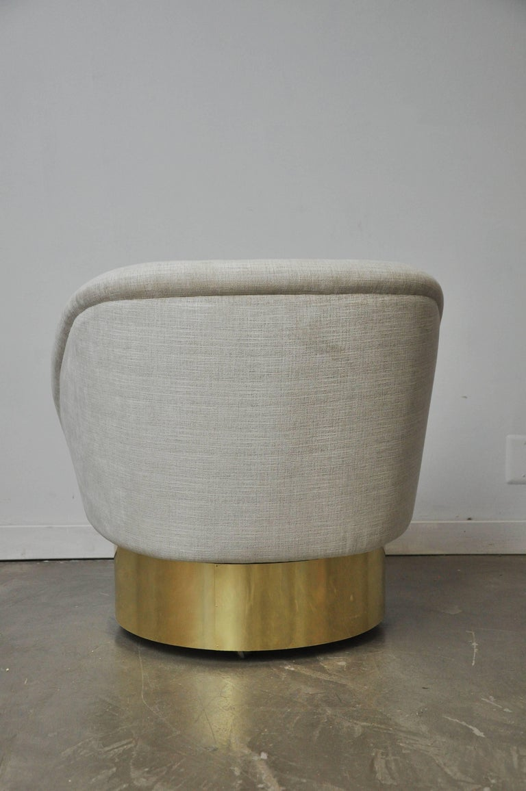 Vladimir Kagan Crescent Swivel Chair on Brass Base In Excellent Condition For Sale In Chicago, IL