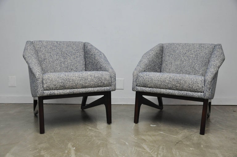 American Italian Sculptural Form Lounge Chairs For Sale