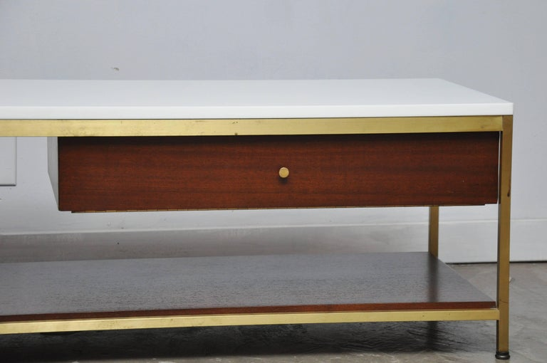 Mid-Century Modern Paul McCobb Console Cocktail Table For Sale