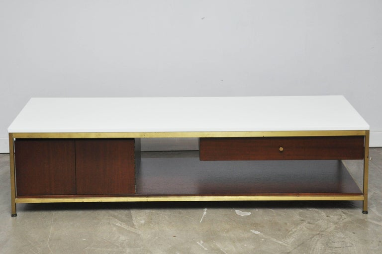 American Paul McCobb Console Cocktail Table For Sale