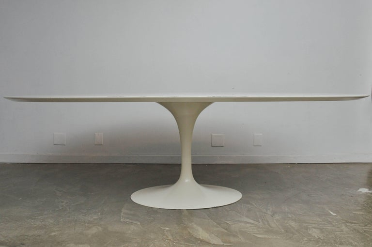 Early Eero Saarinen Oval Dining Table with Eight Chairs For Sale 1