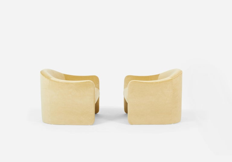Mid-Century Modern Barrel Back Lounge Chairs, 1970 For Sale