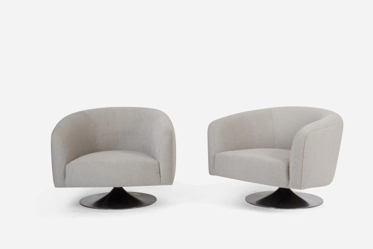 Mid-Century Modern Milo Baughman Disc Base Swivel Chairs For Sale