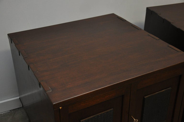 Rare Nightstand Chests by Edward Wormley for Dunbar In Excellent Condition For Sale In Chicago, IL