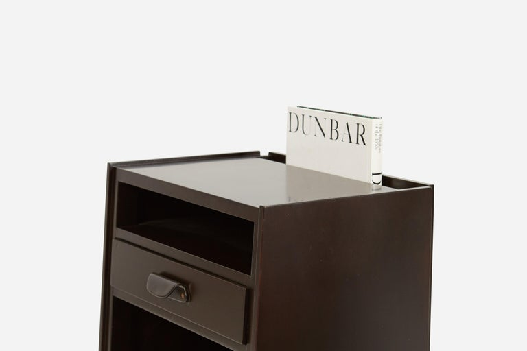 Dunbar Nightstands by Edward Wormley In Excellent Condition For Sale In Chicago, IL