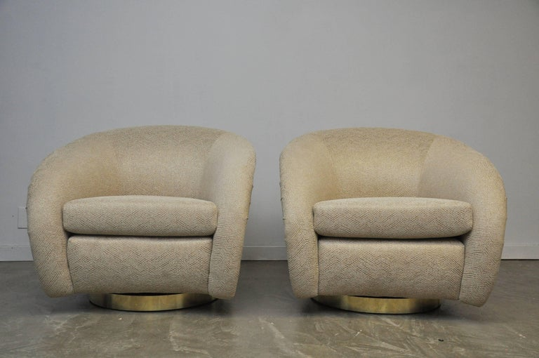 20th Century Pair of Milo Baughman Swivel Chairs on Brass Bases For Sale