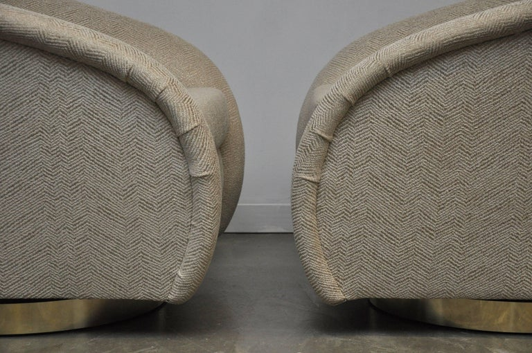Pair of Milo Baughman Swivel Chairs on Brass Bases For Sale 2