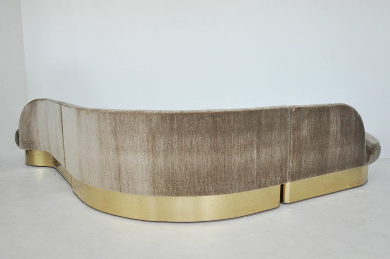 Milo Baughman Brass Base Curved Sectional Sofa For Sale 1