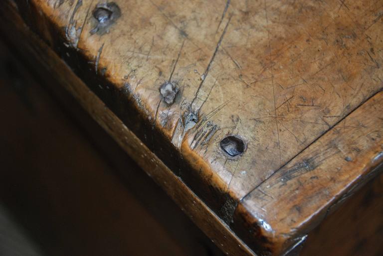 17th Century Carved Renaissance Portuguese Coffer For Sale 4