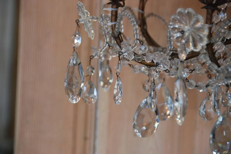 19th Century Italian Crystal and Gilded Wood Chandelier For Sale 1