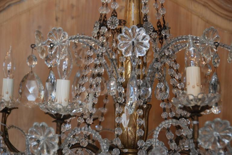 19th Century Italian Crystal and Gilded Wood Chandelier For Sale 2