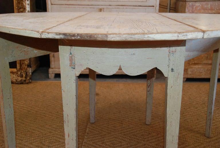 Early 19th Century, Swedish, Drop-Leaf Farm Table For Sale 2