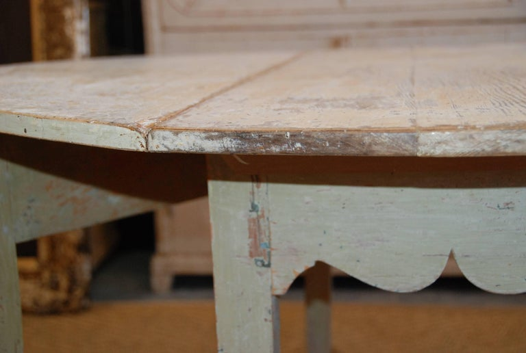 Early 19th Century, Swedish, Drop-Leaf Farm Table For Sale 3