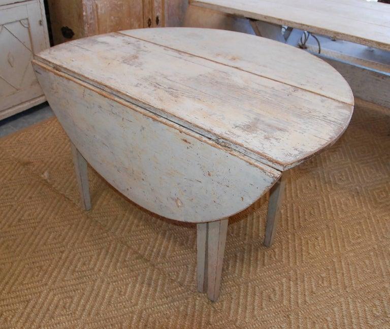 Early 19th Century, Swedish, Drop-Leaf Farm Table For Sale 4