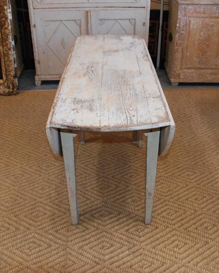 Early 19th Century, Swedish, Drop-Leaf Farm Table For Sale 5