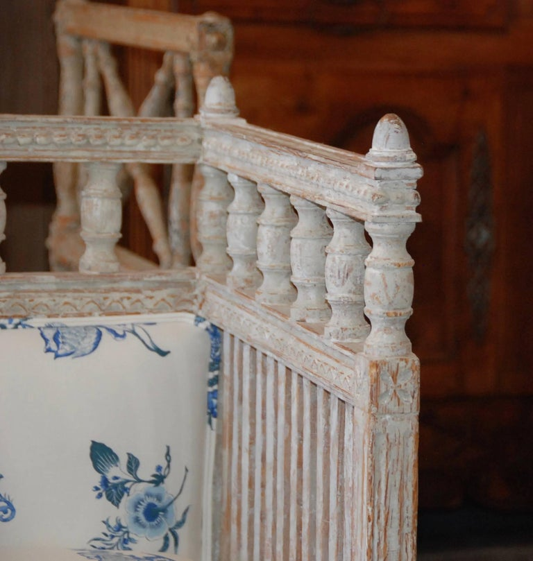 18th Century Period Swedish Gustavian Sofa In Excellent Condition For Sale In Encinitas, CA