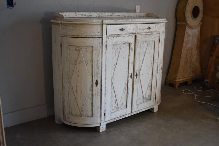 Early 19th Century Swedish Four Door Demilune Gustavian Cupboard For Sale 1