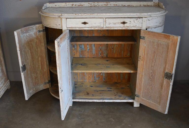 Early 19th Century Swedish Four Door Demilune Gustavian Cupboard For Sale 3