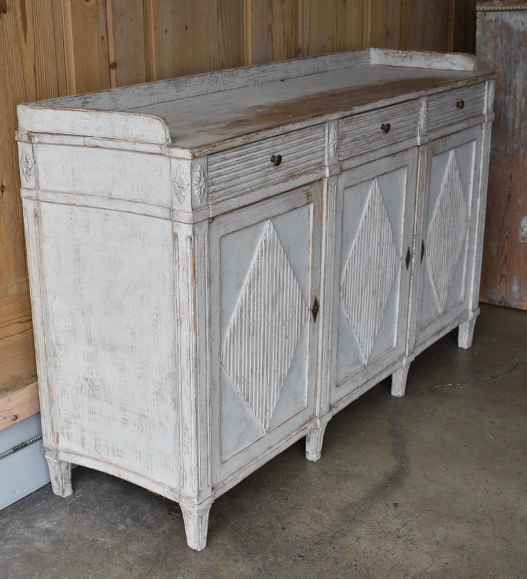 Early 19th Century Swedish Sideboard In Good Condition For Sale In Encinitas, CA