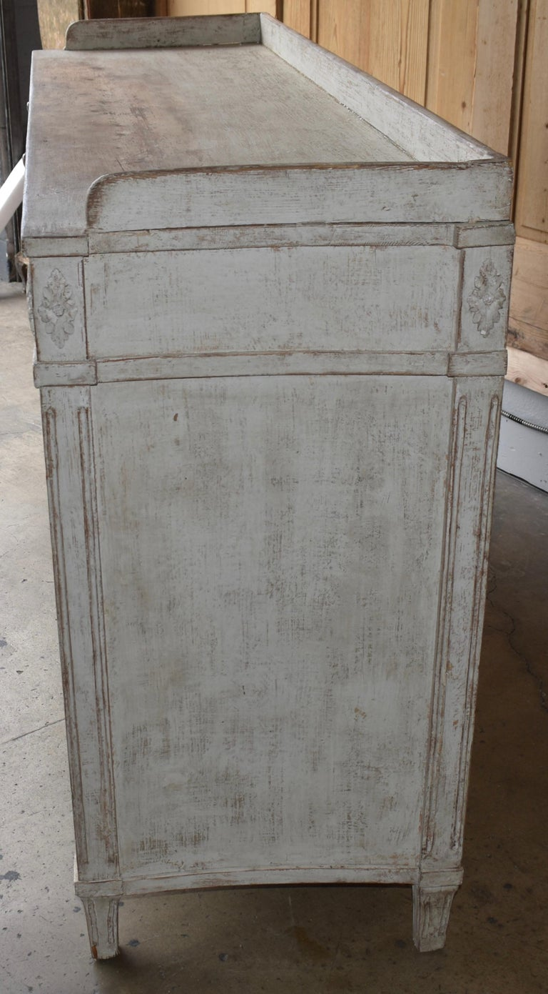 Early 19th Century Swedish Sideboard For Sale 3