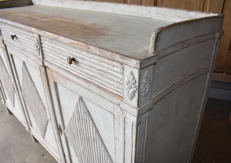 Early 19th Century Swedish Sideboard For Sale 6