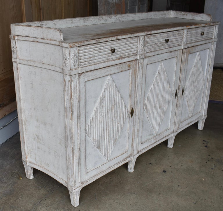 Early 19th Century Swedish Sideboard For Sale 8