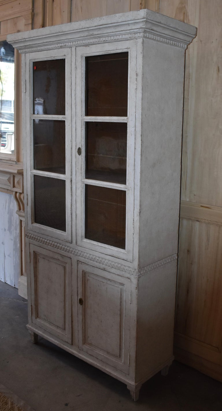 19th Century Swedish Carved Bookcase In Good Condition For Sale In Encinitas, CA