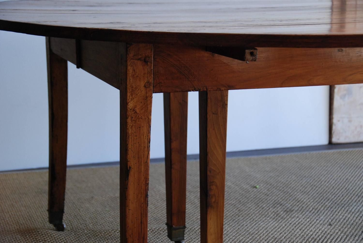 Large dining room table seats 16 16 foot pedestal mahogany for Dining room tables that seat 16