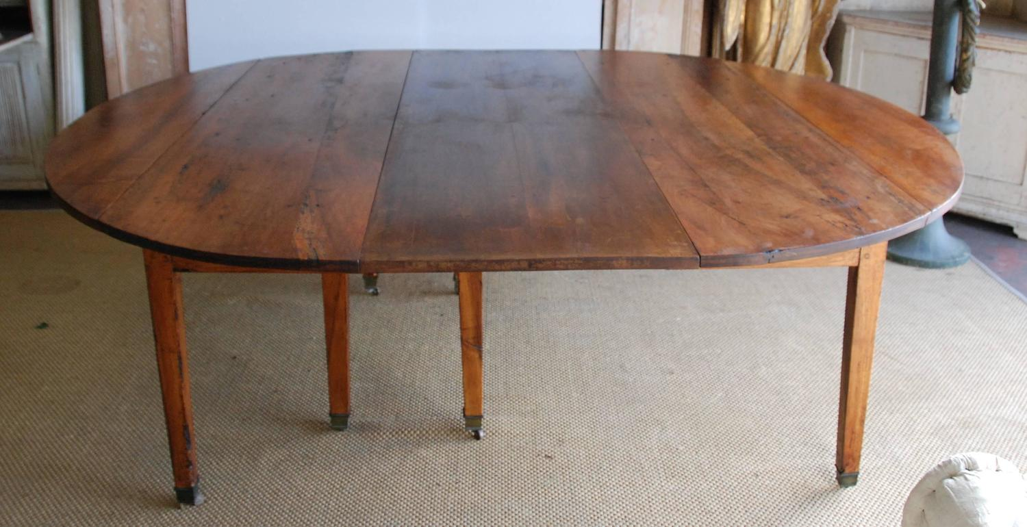 large dining room table seats 16 19th century walnut