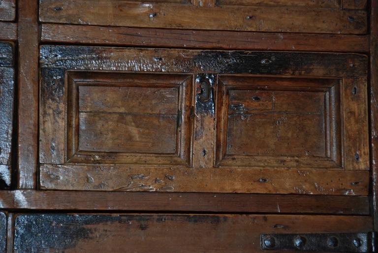 17th Century Spanish Chestnut Cupboard For Sale 2