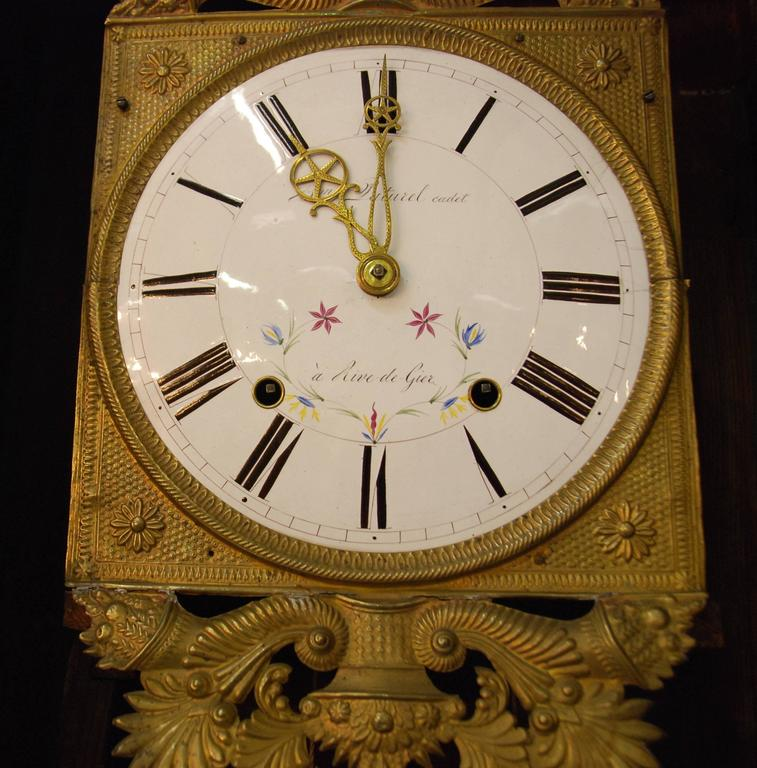 Early 19th Century French Empire Walnut Case Clock In Excellent Condition For Sale In Encinitas, CA