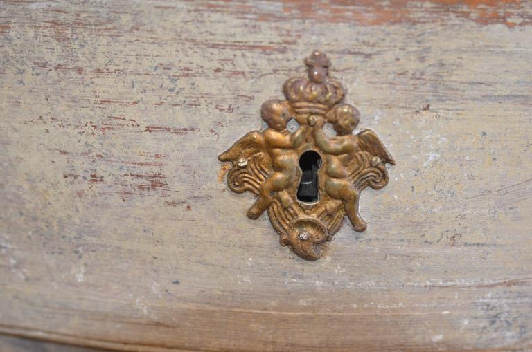 18th Century Swedish Rococo Commode For Sale 4